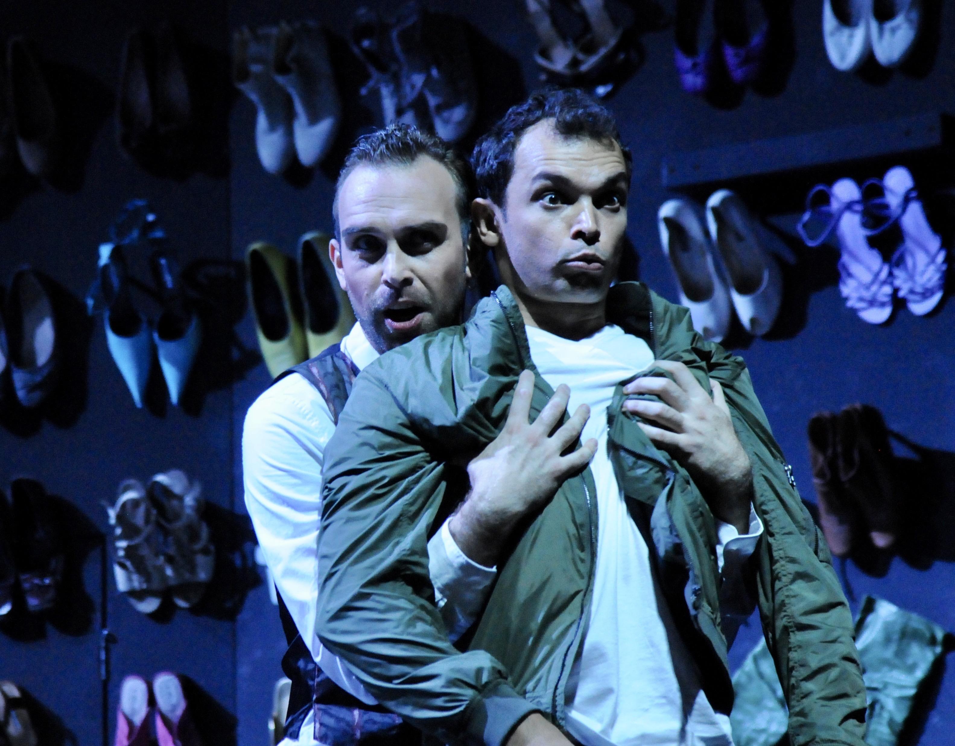 Modestas Sedlevičius (Don Giovanni) und Ilya Lapich (Leporello) (Foto Verena von Kerssenbrock)